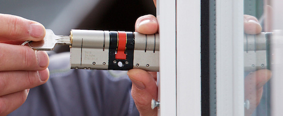 SF Locksmith in Sheffield - Ultion lock fitting